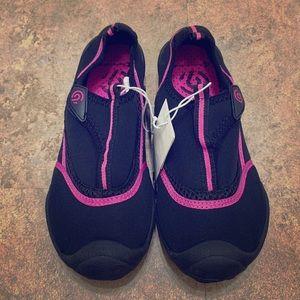 C9 Champion Water Sport Shoes Black & Pink sz 7/8